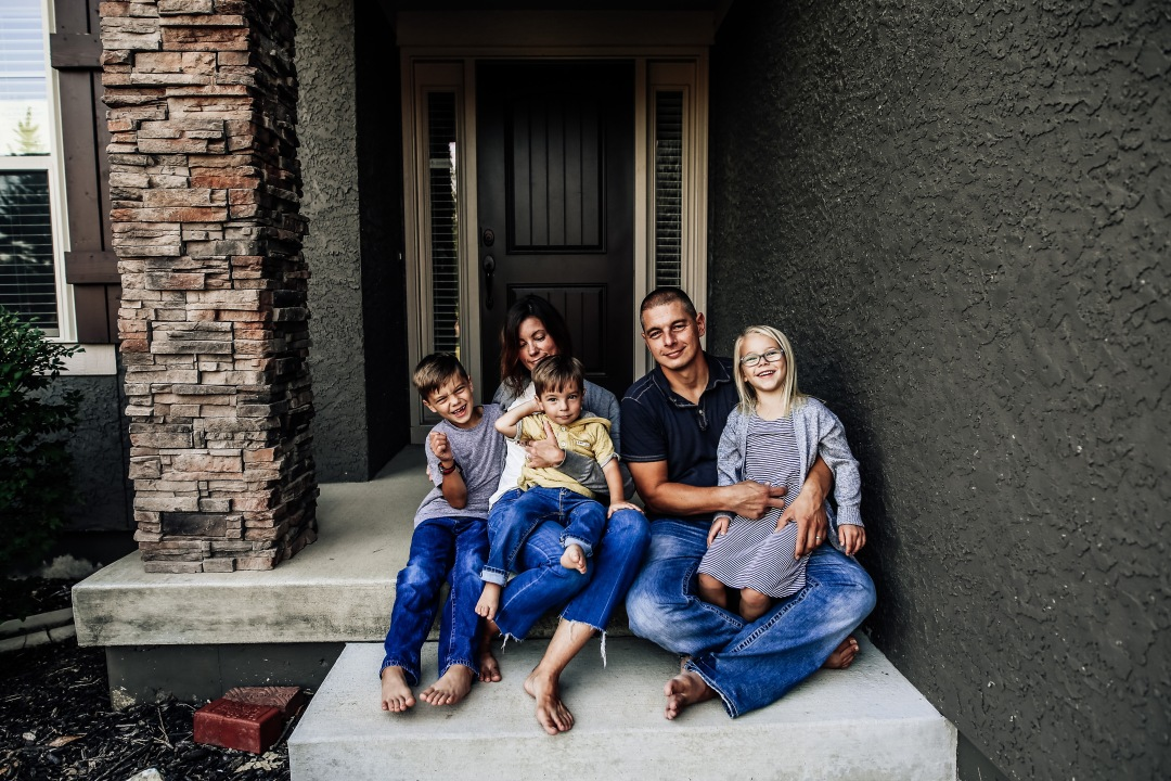 Kansas City Family Photography At Home Photo Session Kid Mom Dad Front porch back porch