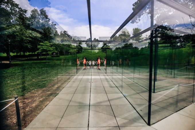 Kansas City Nelson Atkins Museum of Art glass maze children reflections summer