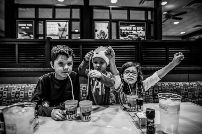 dinner restaurant kids family birthday