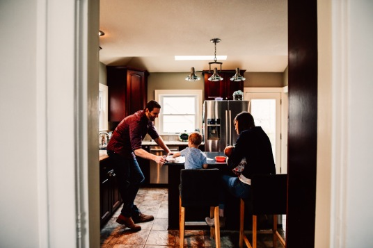 family photography at home session kitchen